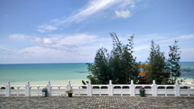 Pantai Tikus Emas alias Pantai Nirwana, Sungailiat, Pulau Bangka.